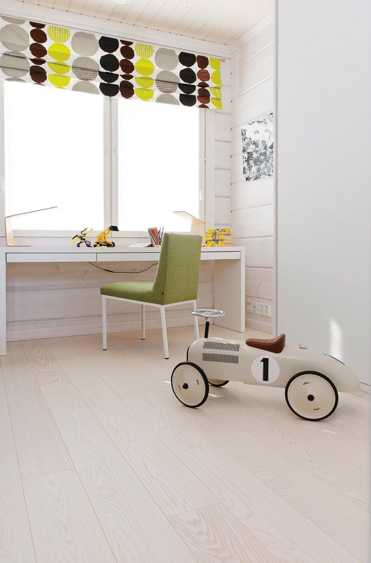 Timberwise-lankkuparketti-wooden floor-parektti-parquet-Saarni-Ash-Classic_SNOWWHITE_children-room_rgb