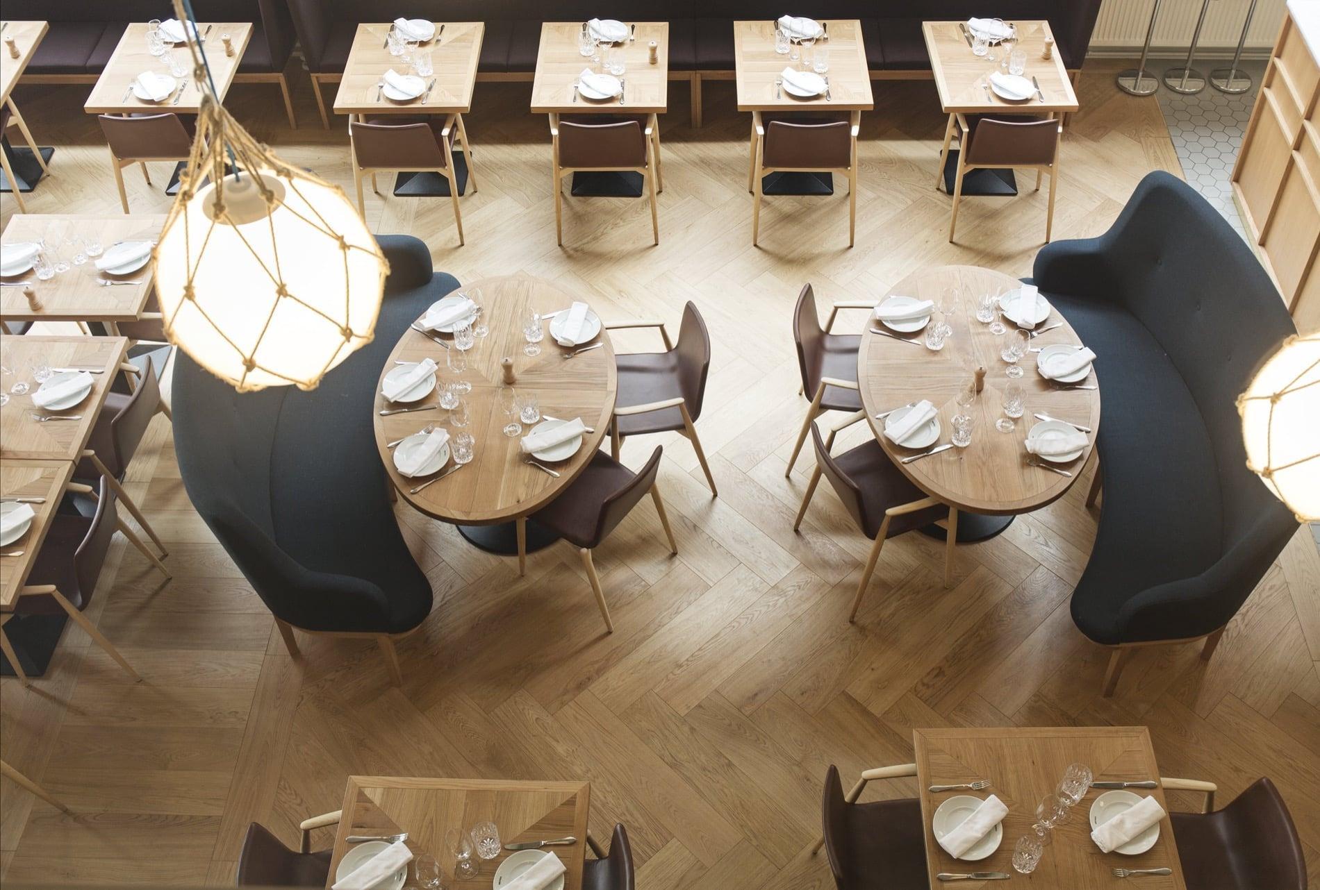 Timberwise-parketti-puulattia-wooden-floor-design-parquet-kalanruoto-herringbone-fishbone-Bronda-Tammi-Oak-_vaaka2