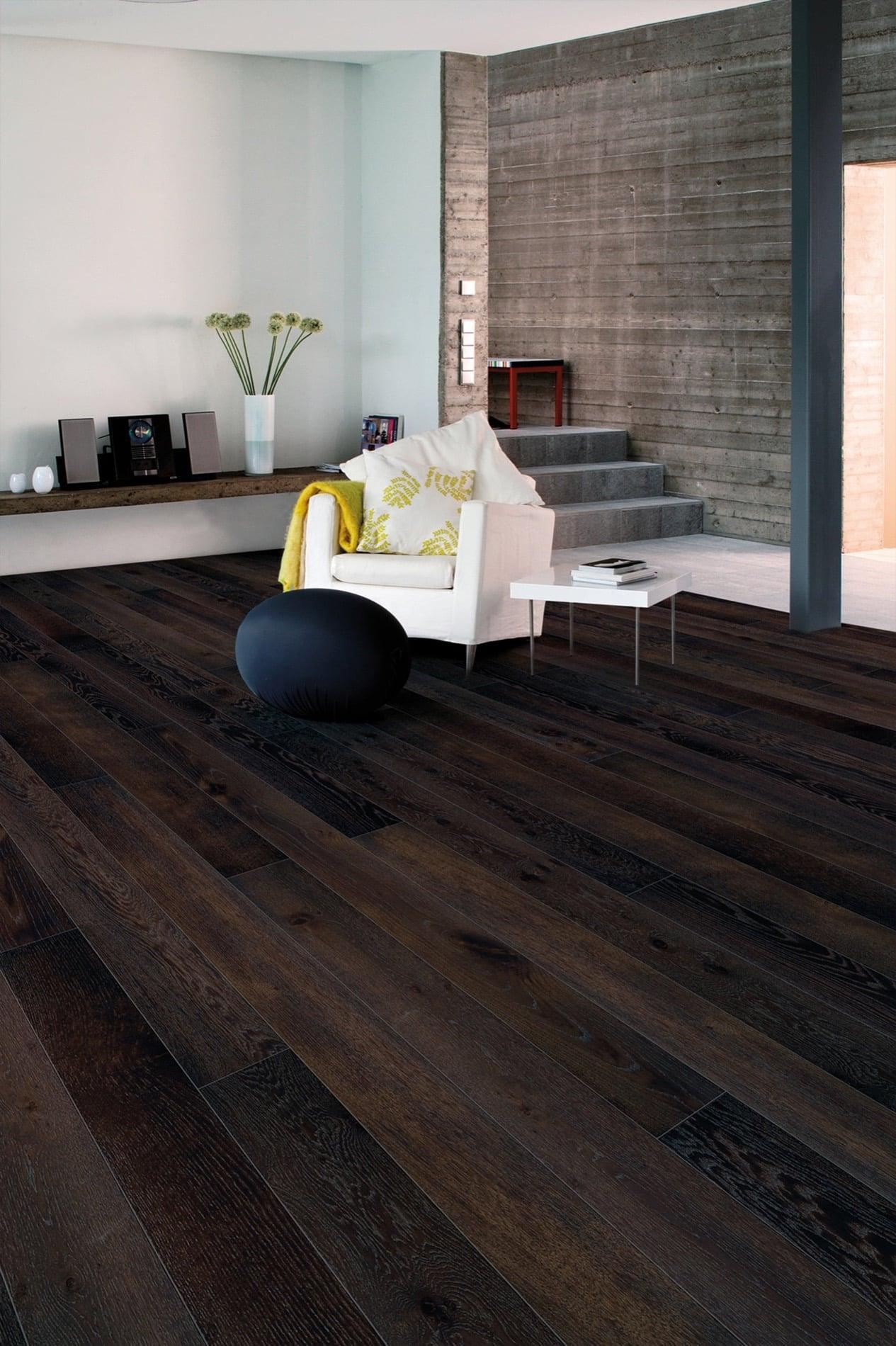 Timberwise-lankkuparketti-wooden floor-parektti-parquet-Tammi-Oak Classic, Walnut stain matt lacquer-living room