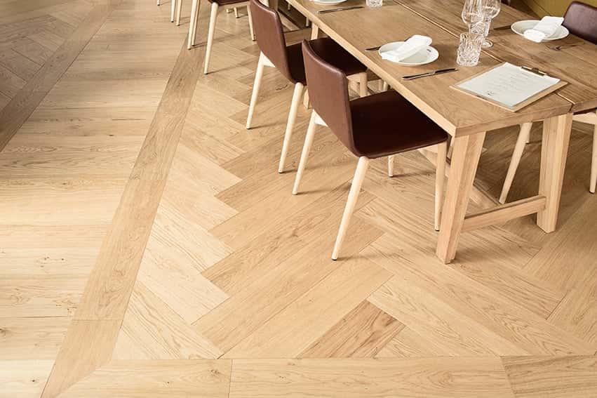 Timberwise-parketti-puulattia-wooden-floor-design-parquet-kalanruoto-herringbone-fishbone-Bronda-Tammi-Oak-_vaaka1